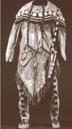 Casacca e gambali in pelle di caribù