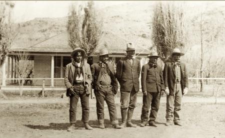 Polk e Posey (primo e secondo a sinistra nella foto)